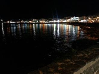 Playa Blanca Hafenpromenade bei Nacht