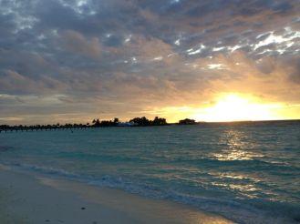 Sonnenuntergang Insel hopping Malediven Erfahrungen Ales Consulting International