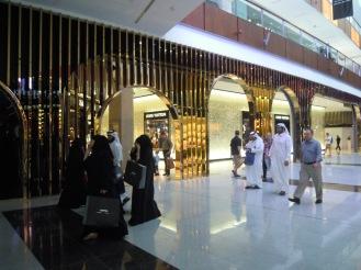 Araber beim einkaufen - Malls in Dubai