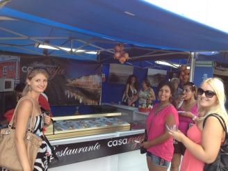 Ales Consulting International Praktikanten beim Tapas essen Lanzarote