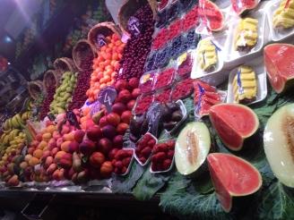 Gesund essen - Obst kaufen in Barcelona - Hotelpraktikum
