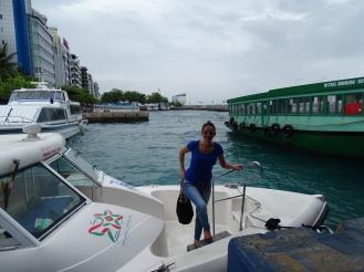 Öffentliche Verkehrsmittel Malediven / Airport Boot