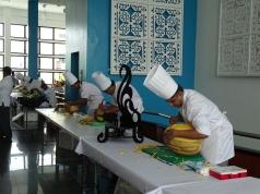 Wettbewerb - Hospitality Asia Hotelköche beim Melonenschnitzen
