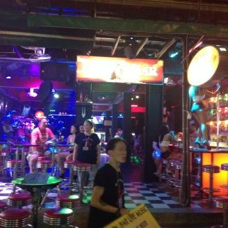 Nightlife Patong Beach Erfahrung