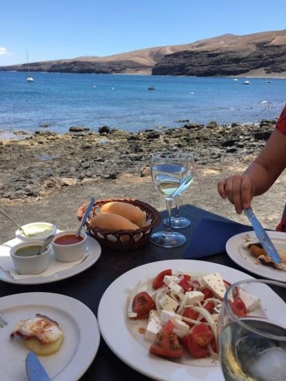 Kanarisch essen - Mojo rojo - mojo verde - queso de cabra - Exkursion - Ales Consulting International - Auslandspraktikum Lanzarote