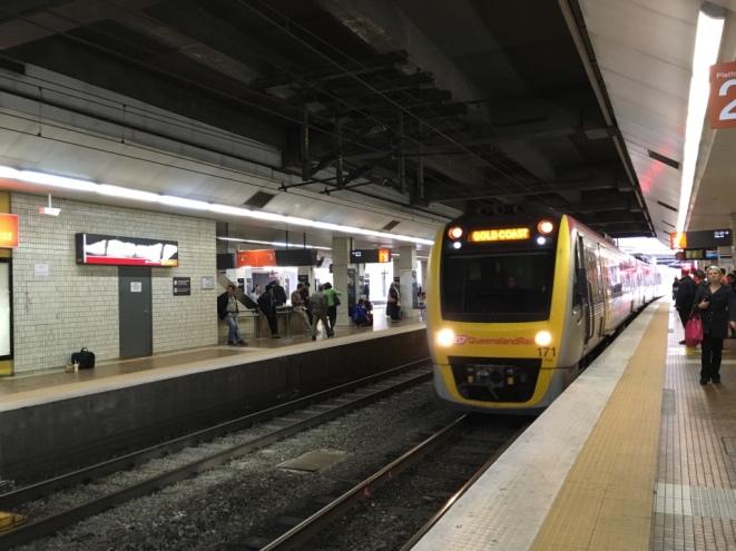 Verkehrsmittel Zug Brisbane - Gold Coast - Erfahrungen Auslandspraktikum Australien Ales Consulting International