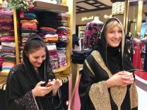 dubai-mall-shopping-experience-burka-auslandspraktikum-dubai-vereinigte-arabische-emirate-praktikum-ales-consulting-international