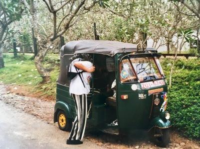 Tuk Tut fahren Sri Lanka Ales Consulting International