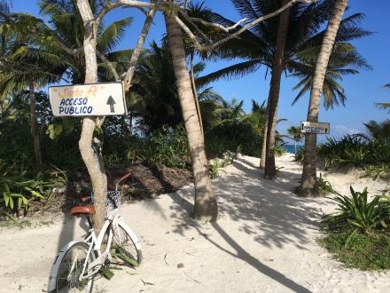 Tulum Public Beach Zugang mit Fahrrad Erfahrungen Praktikant