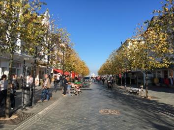 Zentrum von Ostseebad Binz auf Rügen an einem Herbsttag