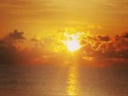 Zanzibar - Golden küsst die Sonne das Meer